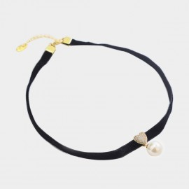Caromay Sweet Heart White Choker Necklace (X1966)